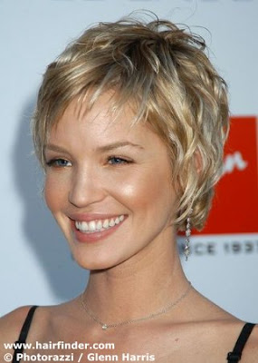 nice hairstyle blog: Layered Short Hairstyles