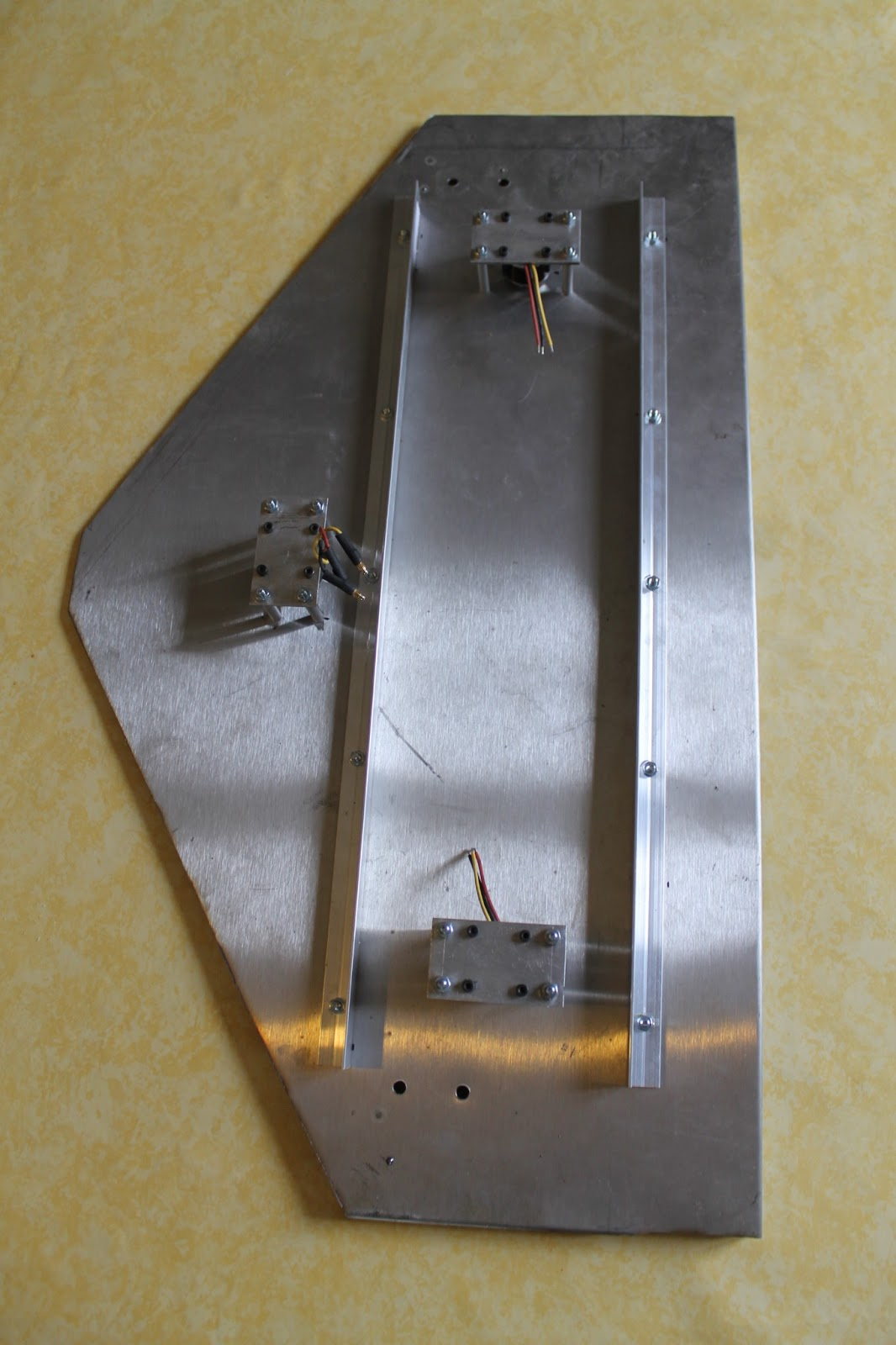 Gt diy cutflower tondeuse robot par arduino