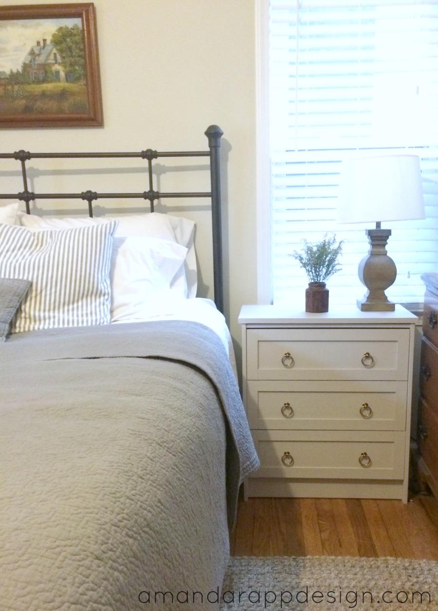 http://4.bp.blogspot.com/-OD5qAhKQgAE/VKnmzLgPKdI/AAAAAAAAB2A/qteKTr25-M0/s1600/bedroom4.jpg