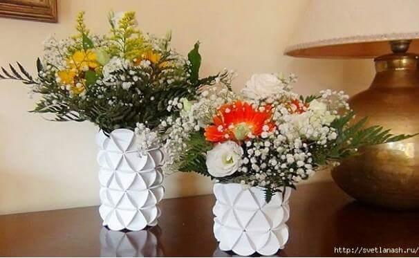 Bagaimana Cara Membuat Vas Bunga Dari Kertas