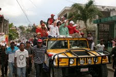 Amable Aristy Castro encabeza marcha caravana en Villa Altagracia