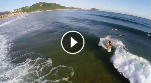 Surfing Zarautz Sonia Ziani Ainhoa Dominguez