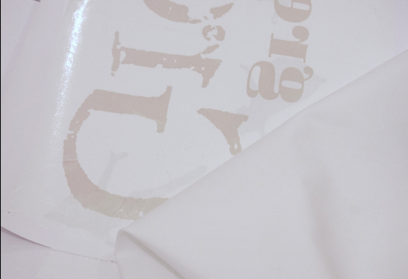 Screen-Rant-vividplease: How To Make Freezer Paper To Create Fabric ...