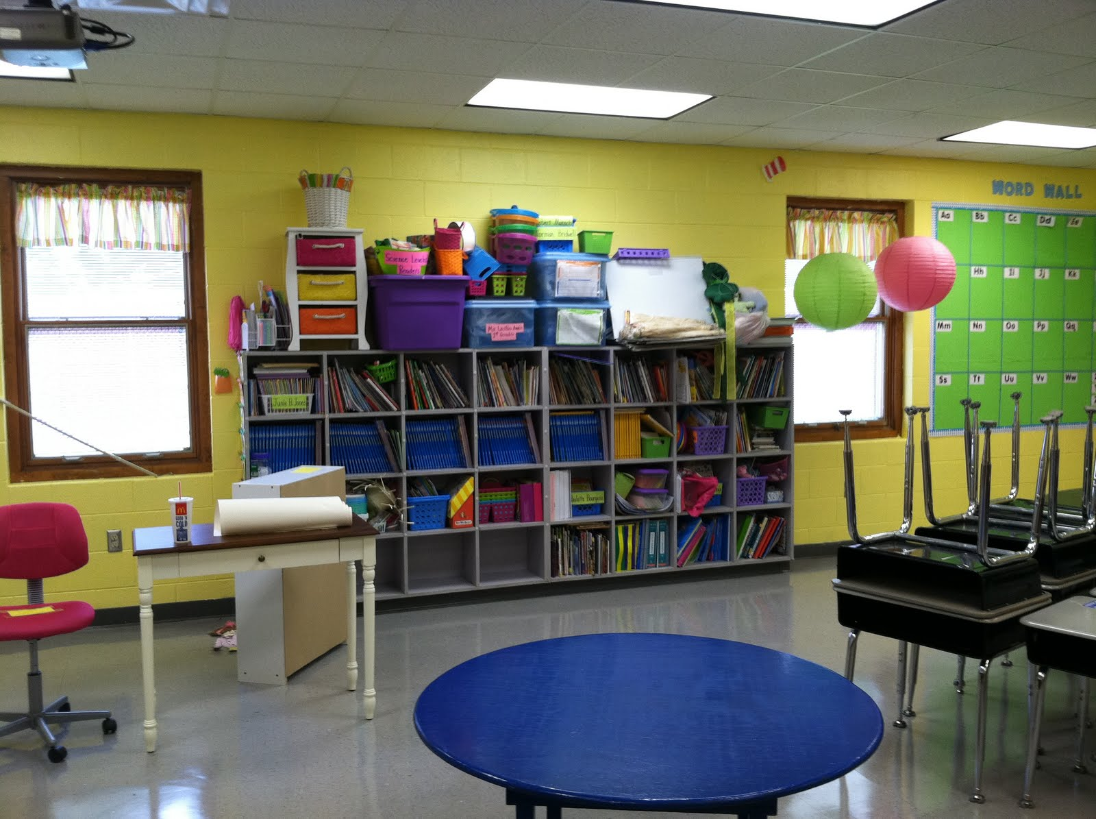 Classroom Decoration Ideas For Grade 1 ~ Life in first grade classroom decorating day one