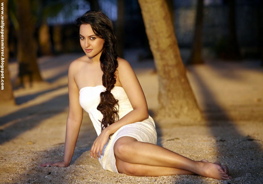 Top 10 sonakshi sinha hot wallpapers