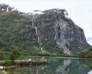 Ramnefjellsfossen Falls
