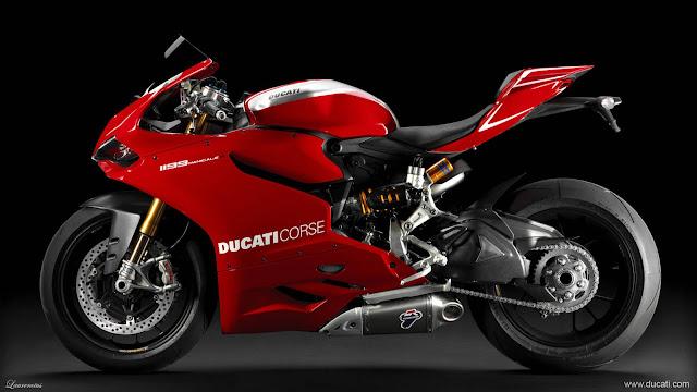 Superbike-Ducati-1199-Panigale-R-2013_8