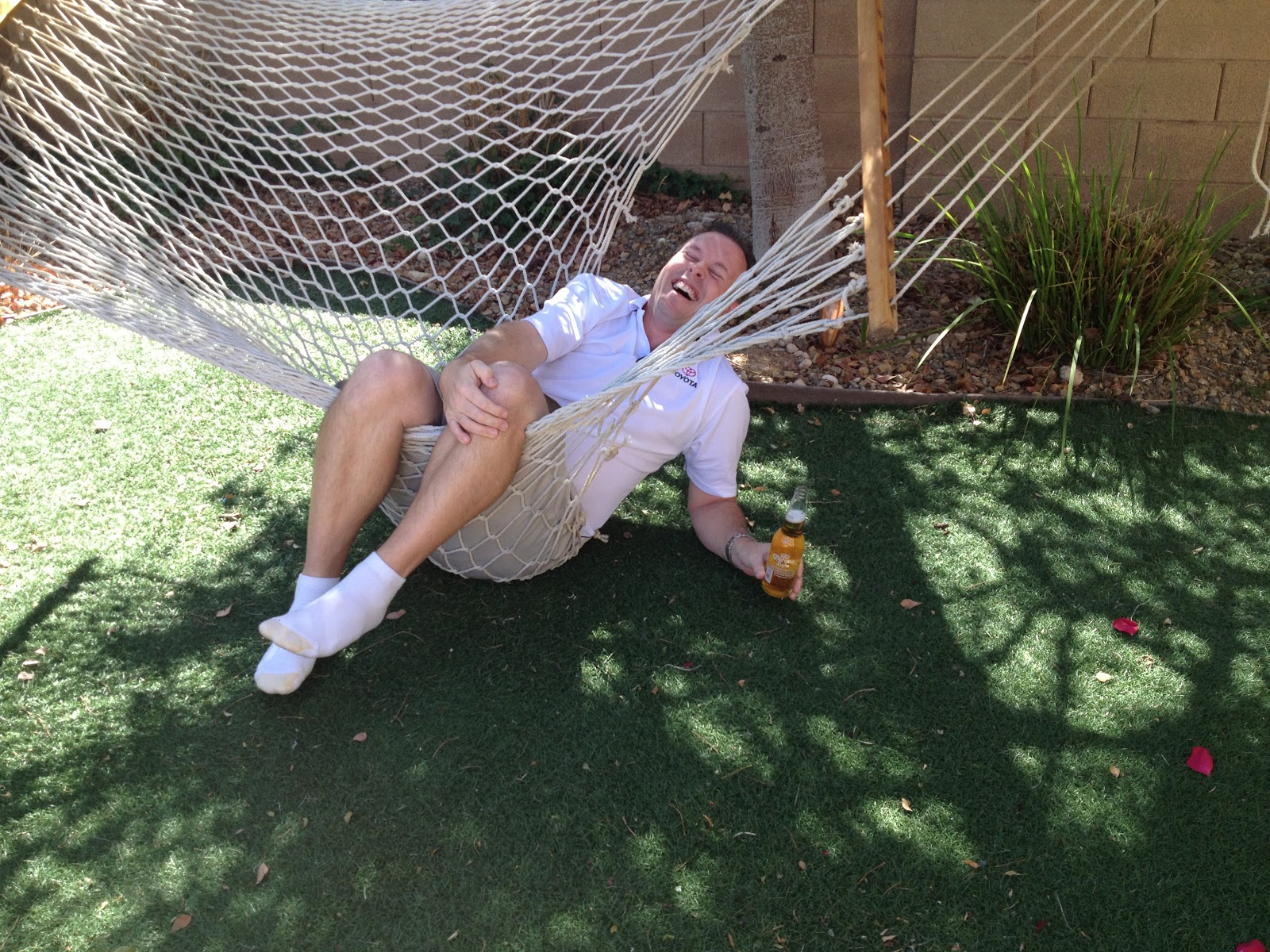 the broken hammock might indicate that duane and i have done an excellent job of eating and drinking the last 6 days but in all fairness i believe the     tom and donna full timer rv blog  vegas baby   vegas   rh   tom and donna blogspot