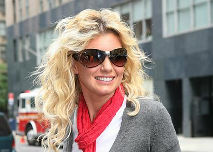 All about hollywood stars faith hill profile and pics