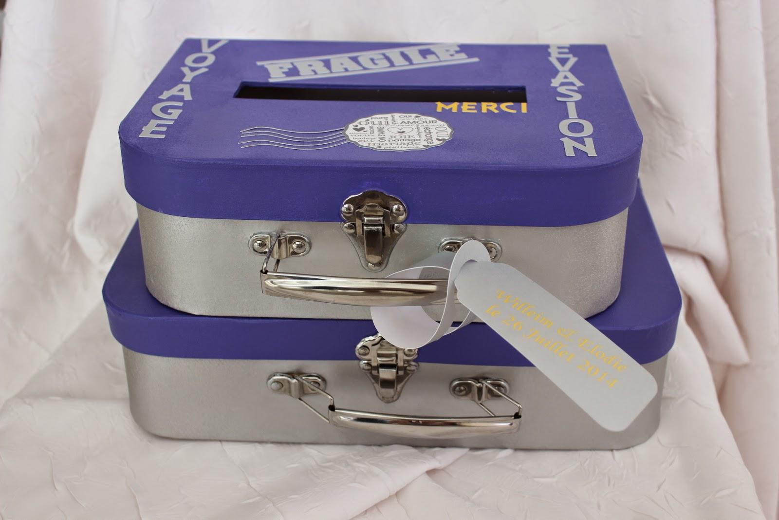 urne ou tirelire en forme de valise superposes pour mariage sur le thme du voyagevasion superposes pour offrir une grande capacit - Urne Tirelire Mariage