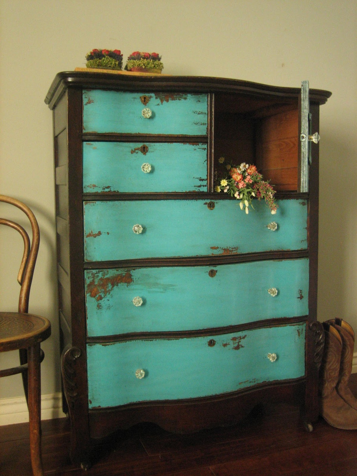 European Paint Finishes Sundance Dresser