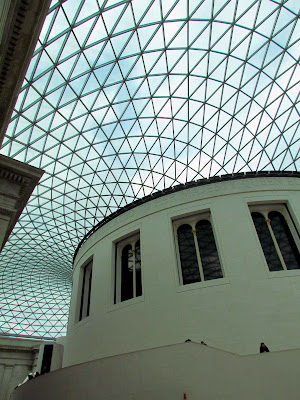 The British Museum, London, UK, visit, glass celling, day trip, tourist, architecture, visually striking, design, white, curved