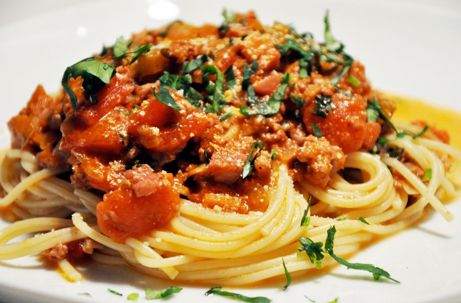 Pasta With Bolognese Sauce Recipe — Dishmaps