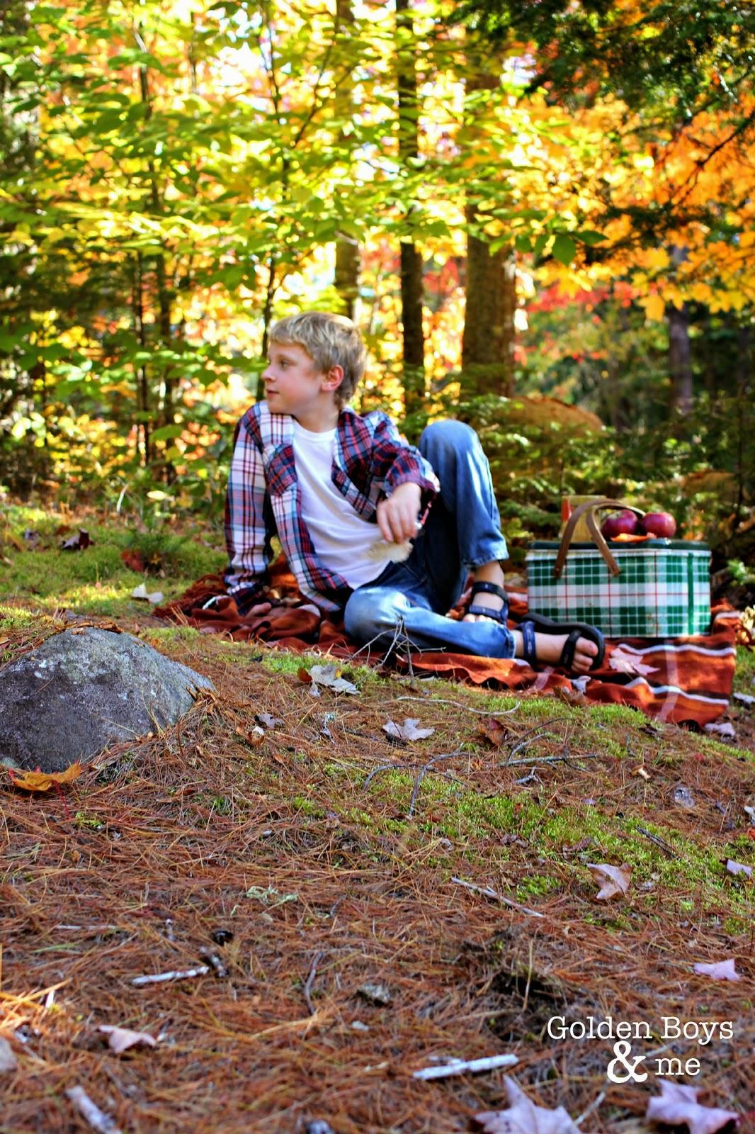 Autumn picnic-www.goldenboysandme.com