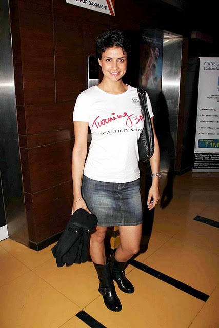 hot celebrities pics-bollywood hot actresses gul panag looking sex bomb in sexy pics and photos