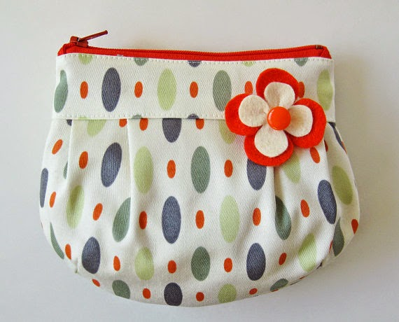 https://www.etsy.com/listing/176018981/flower-zipper-pouch-gray-ovals-on-white?ref=favs_view_1