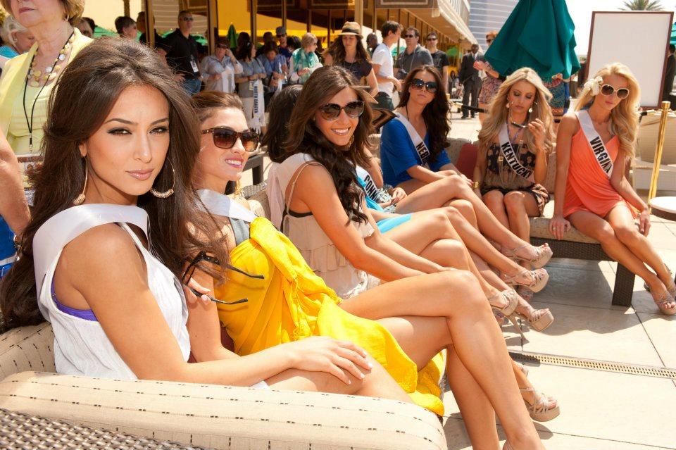 Miss usa 2012 contestants enjoying the pool miss world for Pool show usa
