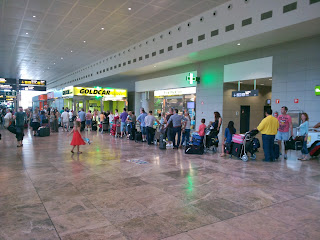 Alicante Airport GOLDCAR desk queue