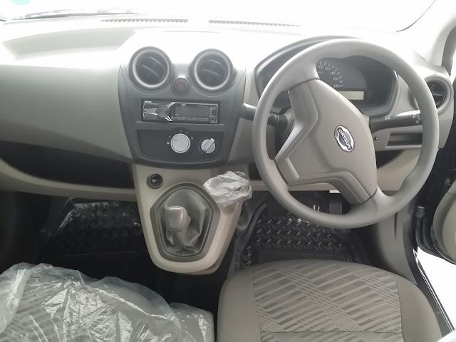 Tampilan bagian dalam Datsun GO+ T Option, Dashboard, Setir, Speedometer, AC