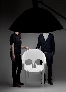Chaises tête de mort