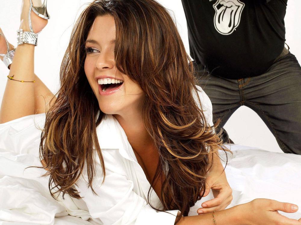 Alicia Machado Hairstyles 21