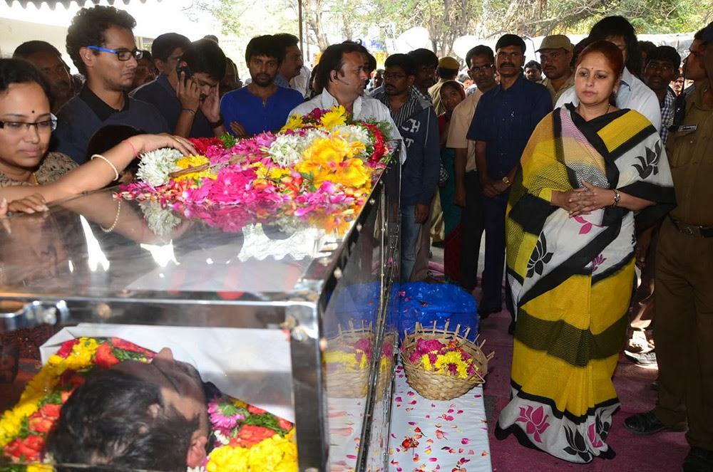 Telugu Hero Uday Kiran Condolences-HQ-Photo-18
