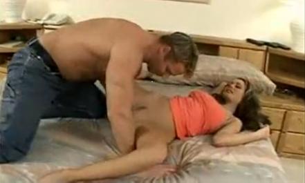 Crissy sexo moran en la piscina