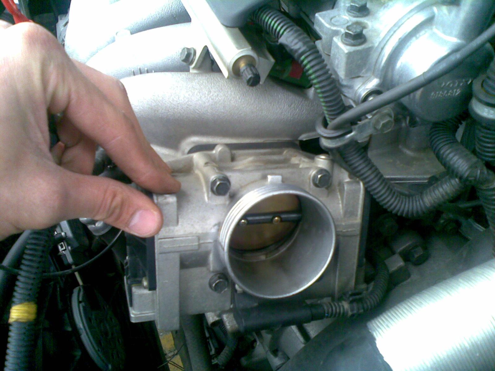 Como verter la gasolina del depósito de los floreros 2112