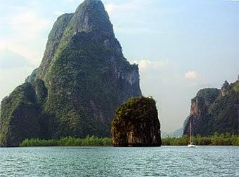 Sailing in Phangnga Bay