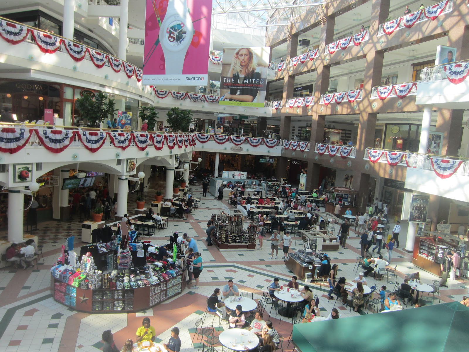 Pentagon City Mall is Associated With and Known as: The Pentagon City Mall is the shopping mall situated in Arlington, Virginia, USA. The Pentagon City Mall was opened on 5 October