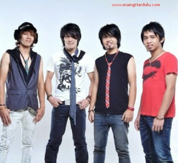 Chord Gitar Lagu Malaysia Merayu: Lirik Dan Kord Kunci Gitar Cinta Sejati