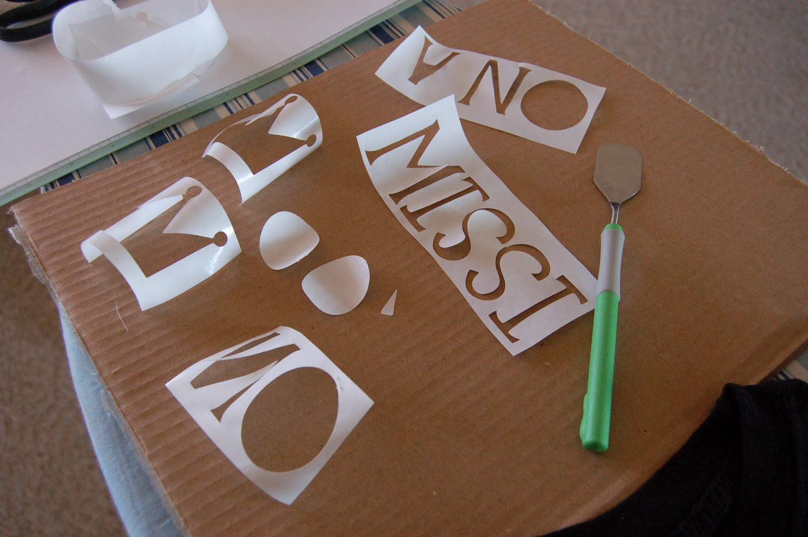 how to keep the middle of letters in cricut