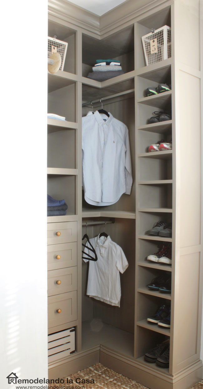 Remodelando la casa diy small closet makeover the reveal - Wardrobe solutions for small spaces paint ...