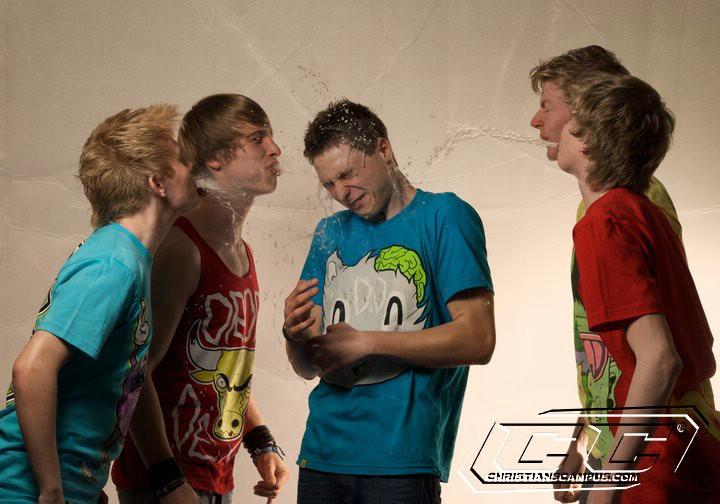 Crunch - Icarus EP 2011 band members Florian Albers, Lukas Strickling, Constantin Dransmann, Simon Strickling, Matthias Wiethoff