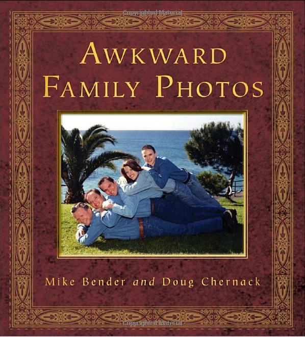 Amazon.com: Awkward Family Holiday Photos (9780307888136
