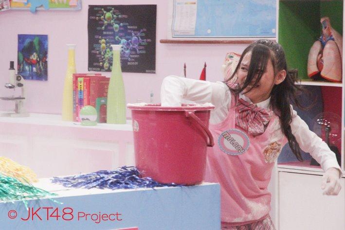 Galeri foto melody nurramdhani JKT48 School episode 8