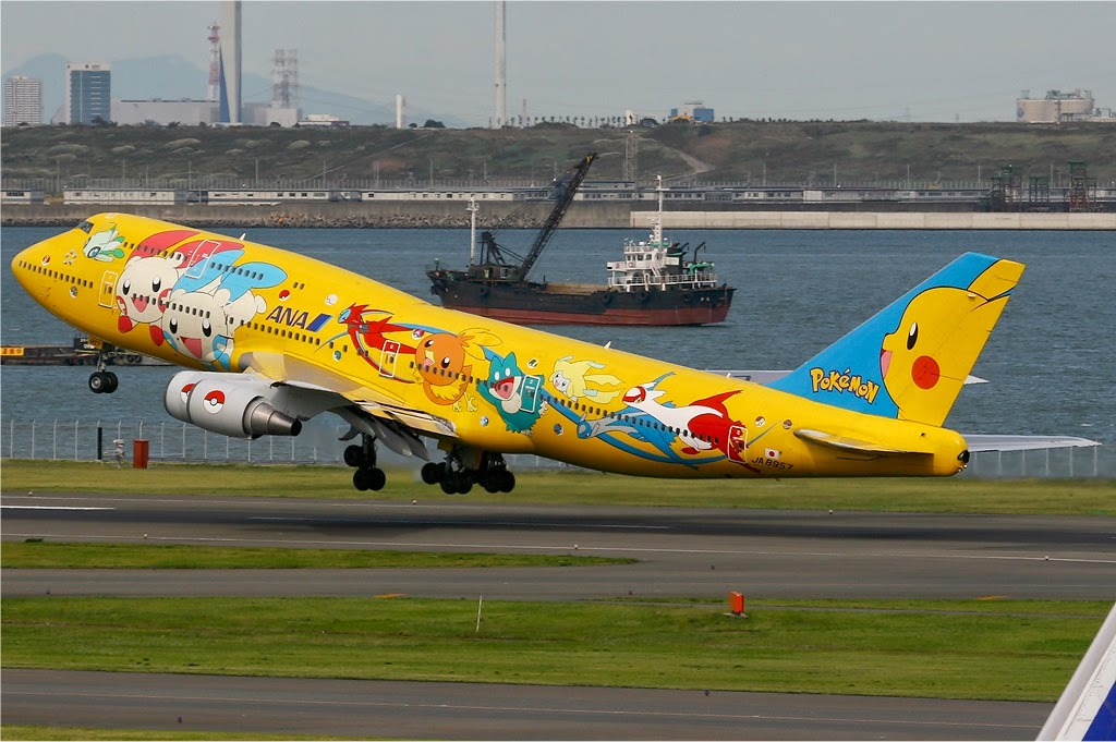 All Nippon Airways Boeing 747–400 in Pokémon livery, dubbed a Pokémon Jet.