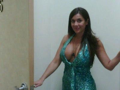 http://4.bp.blogspot.com/-OGlW_MAGGhY/T6e3zY1YGJI/AAAAAAAAD1M/xI2gkaSJo9E/s1600/JULIAAA.jpg