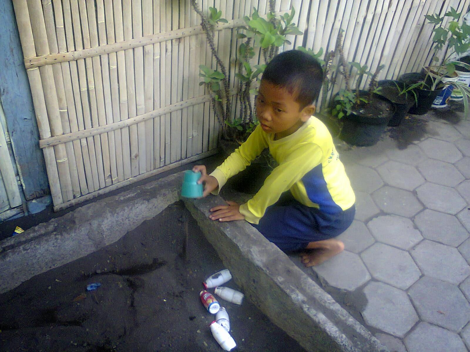 "KB,RA,TAA ""BENISO"": Kegiatan sehari-hari Anak SD Alam Beniso"