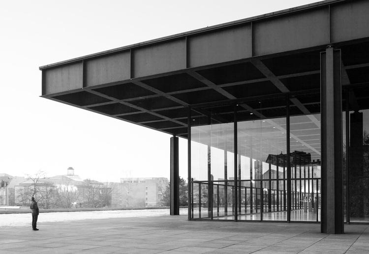 Bak neue nationalgallerie mies van der rohe for Casa minimalista de mies van der rohe