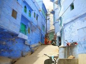 Kota Biru Penuh Misteri.alamindah121.blogspot.com