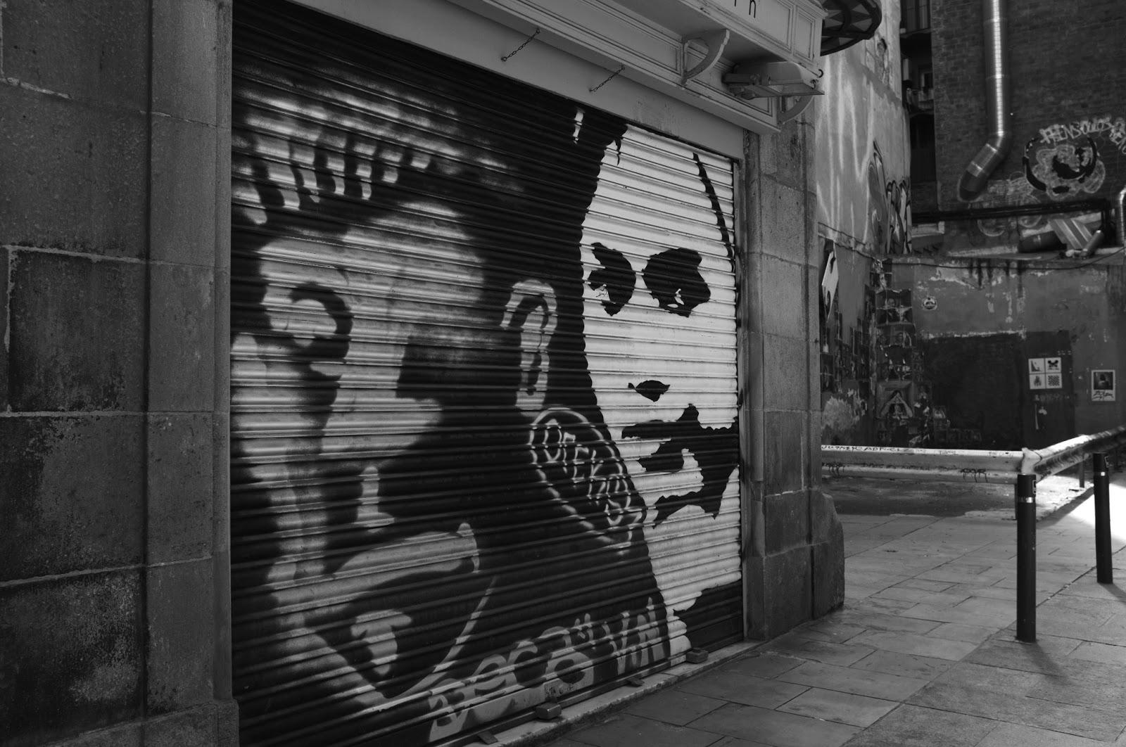 vicente escudero drakma66 graffitis en blanco y negro