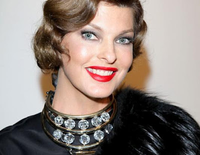gty linda evangelista jrs 110201 ssh famous may birthdays celebrities