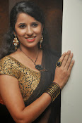 Sravya reddy sizzling saree photos-thumbnail-4