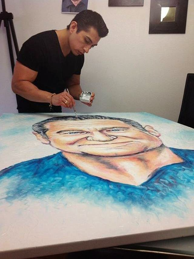 Cristiam Ramos Create Painting with Toothpaste