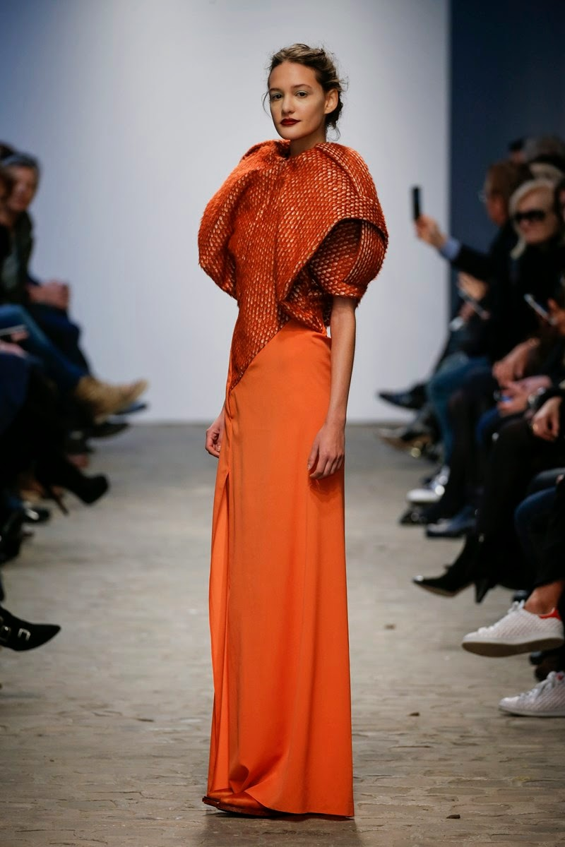 Ilja spring summer 2015, Ilja ss15, Ilja, Ilja couture, Ilja haute couture, du dessin aux podiums, dudessinauxpodiums, Ilja Visser, tournavolta, paris couture, paris haute couture, haute couture, paris haute couture fashion week, vintage look, dress to impress, dress for less, boho, unique vintage, alloy clothing, venus clothing, la moda, spring trends, tendance, tendance de mode, blog de mode, fashion blog, blog mode, mode paris, paris mode, fashion news, designer, fashion designer, moda in pelle, ross dress for less, fashion magazines, fashion blogs, mode a toi, revista de moda, vintage, vintage definition, vintage retro, top fashion, suits online, blog de moda, blog moda, ropa, asos dresses, blogs de moda, dresses, tunique femme, vetements femmes, fashion tops, womens fashions, vetement tendance, fashion dresses, ladies clothes, robes de soiree, robe bustier, robe sexy, sexy dress