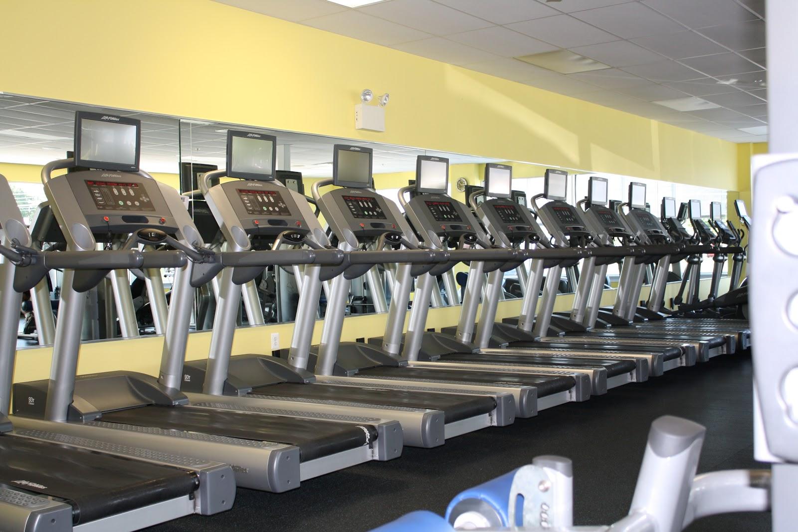 http://4.bp.blogspot.com/-OHd_Ac20JJ4/T39PsnHA5YI/AAAAAAAABPc/iPlfGCLjVA4/s1600/Treadmills+2.jpg