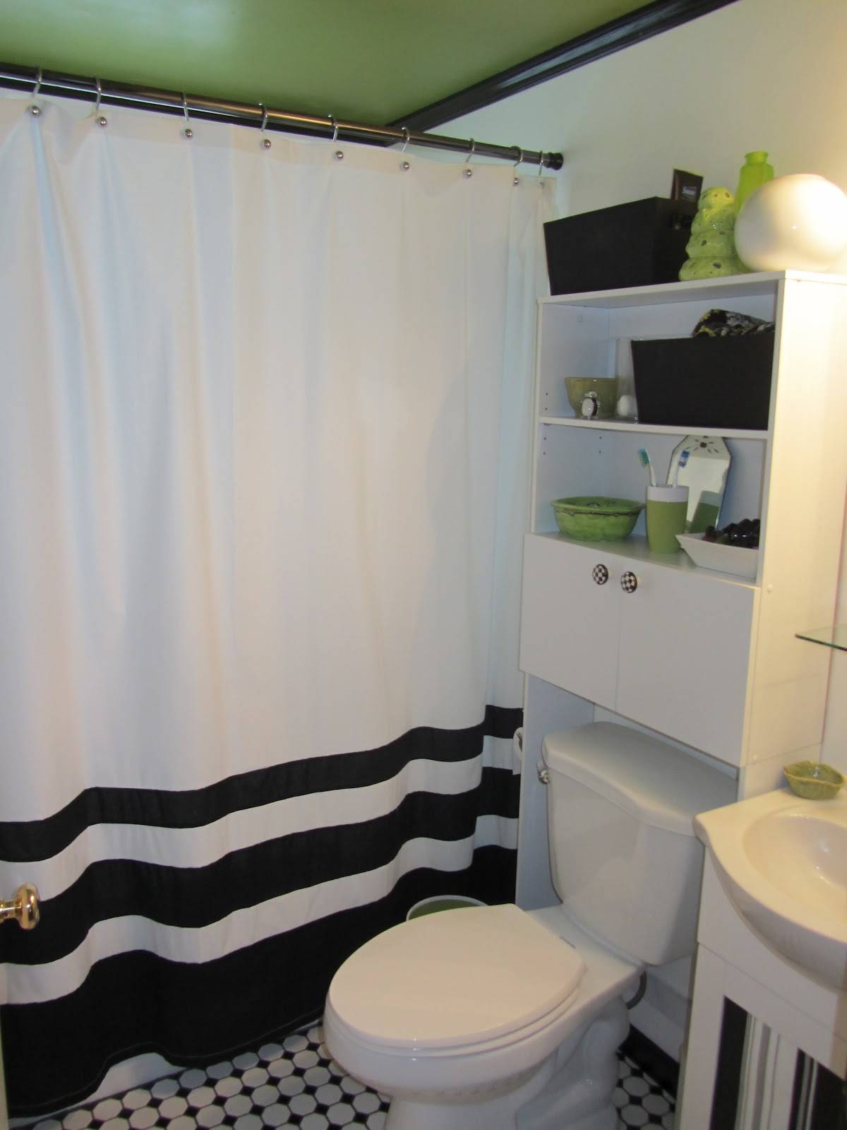 The ultimate before after bathroom edition j paris for Ultimate bathrooms