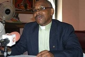 Párroco iglesia Las Mercedes pide a Dios perdonar legisladores aprobaron presupuesto 2012