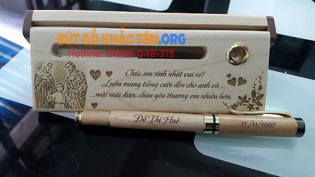 Quà tặng Bút gỗ khắc tên đẹp